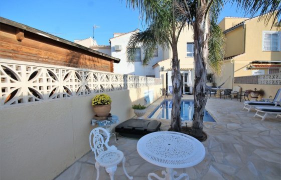 Reihenhaus mit Privatpool in Denia