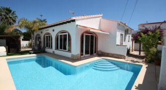 Renovated villa not far from the sea